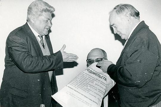 Альберт Камалеев (слева)