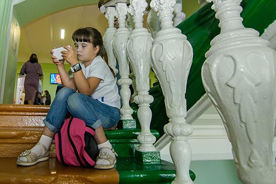 Согласен ли современный ребенок, родившийся в эпоху гаджетов, сидеть перед ТВ-экраном, дожидаясь часа, когда будут показывать его любимый мультик?