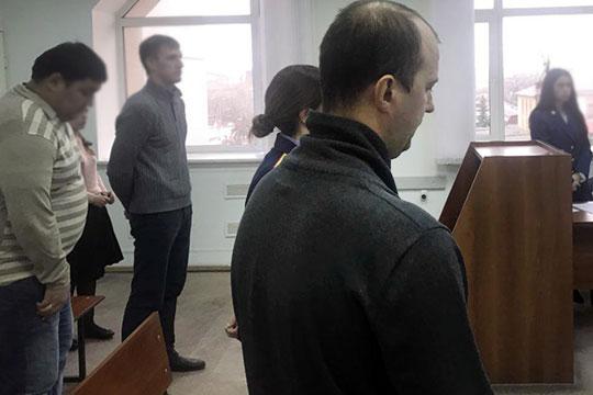 Две ночипровелвизоляторе заместитель генерального директора ПАО «Казаньоргсинтез»Альберт Гатин