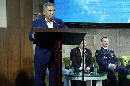 Рустам Минниханов: «Мыдолжны поднять престиж рабочих профессий»