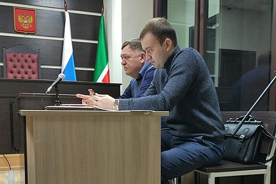 Марат Газизов и его адвокатВадим Шандыров