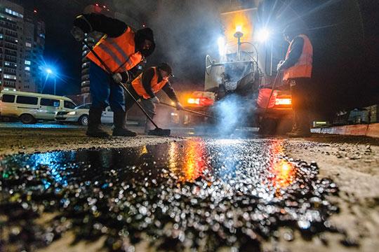 Метшин, подводя итоги докладов, отметил, что вперечень невошел ремонт дорог. Наэти цели республика выделила отдельно 1,7млрд рублей