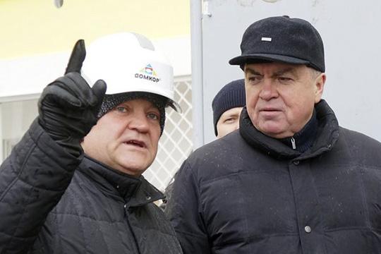 Как сказал гендиректор челнинского ООО«Домкор»Мунир Гайнуллов, он (дом) будет сдан уже вмае, аеще несколько других, подрядчиком которых также является ихкомпания (63/01, 63/11 и63/12), будут сданы доконца года