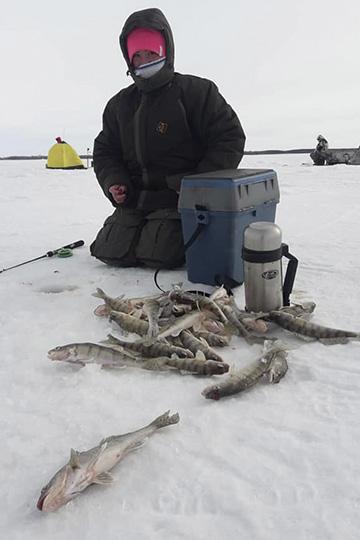 «Наши постоянные гости по5-10 раз вгод ездят нарыбалку поразным регионам— вАстрахань, Норвегию, Кольский полуостров, Байкал, Дальний Восток… Эти люди— костяк»