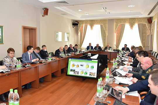 На парламентском совещании были подведены итоги первых трех месяцев (читай — ста дней!) работы по новой системе обращения с отходами, которая как раз призвана помочь Татарстану избежать мусорного апокалипсиса