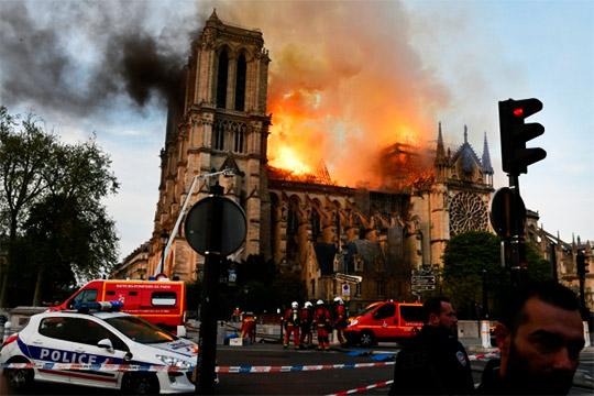 «Будут говорить, что Франция недостойна своего собора»: как сгорела «душа Парижа»