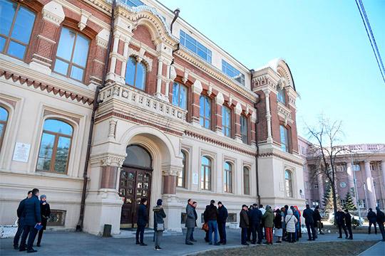 Вкрасивейшем здании художественного училища 1900–1904 годаидут ремонтно-реставрационные работы,завершить которые планируется кавгусту 2019-го. Стоимость госконтрактапревышает 137млн рублей