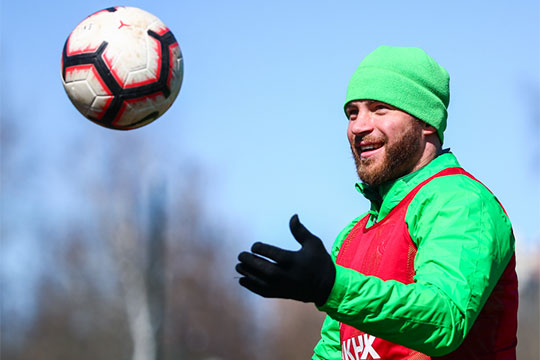 Артем Лукоянов: «Вхоккее спортсмены более мужественные, чем вфутболе»