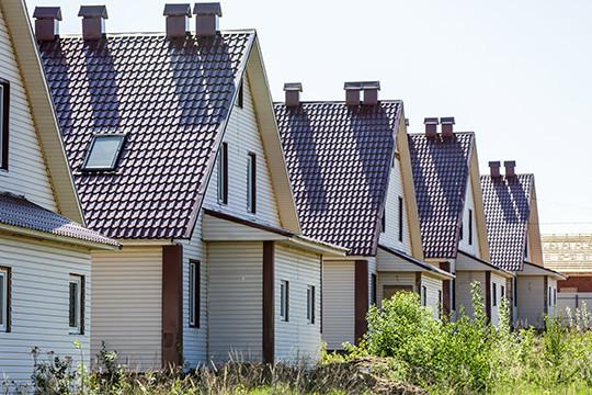 «Если люди хотят строить, то необходимо дать им право строить в совершенно других условиях, например в коттеджных поселках, но не в садоводческих объединениях»