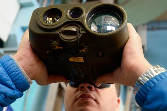 КОМЗ традиционно предлагает гражданскому рынку бинокли, рефрактометры, монокуляры, зрительные трубы, прицелы, микроскопы, дальномеры