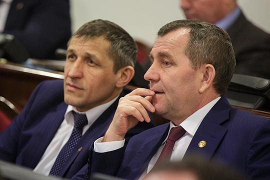 Анатолий Ивановзаработал 2,4млн рублей,Ильдус Зарипов— самый бедныйизглав рейтинга— унего только 2млн семейного дохода