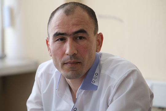 Руслан Габбасовивовсе заявил: чиновники будто незамечают, что федеративное устройство прописано вКонституции государства