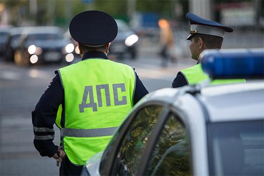 Попавший вДТП автомобильBMWX5 2013 годанеоднократно получал штрафы запревышение скорости— с2018 по2019 годы зафиксировано более 90 превышений инарушений правил парковки