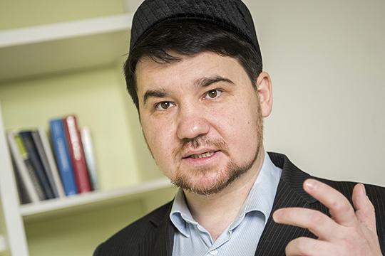 Рустам Батыр: «Толерантное учение Абу-Ханифы лежит воснове многовековых исламских традиций татарского народа, аследование его мазхабу прямо предписывается татарстанским имамам вуставе ДУМ РТ»