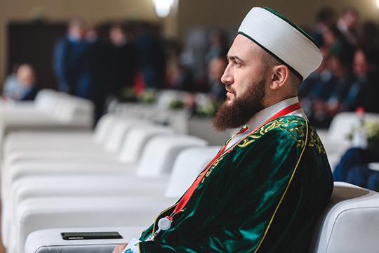 Свосшествием напрестол муфтияКамиля Самигуллинавнашей республике против идей имама Абу-Ханифы планомерно реализуется скрытая политика замалчивания