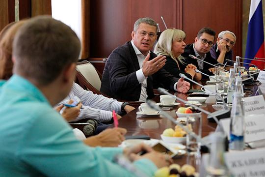 Освоившись в новой роли, Радий Хабиров на этой неделе провел первую большую встрече с журналистами в Уфе