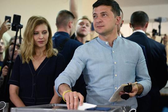 «Если Зеленский справится, этот эксперимент будет очень интересен, потому что в Киеве идет полная перезагрузка политической элиты. Посмотрим, к чему она приведет»