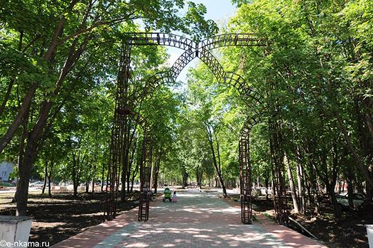«Идея парка Габдуллы Тукая, например, принадлежит Фирдавису Гайнетзяновичу Ханову, предыдущему главному архитектору Нижнекамска»