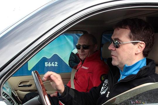 Владимир Путин поручил построить за 539 млрд рублей новую платную автомагистраль протяженностью свыше 700 км.Проект утвердили еще в октябре прошлого года, но вокруг него все это время не утихали споры