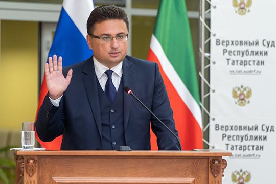 После 4-летнего перерыва на большую книжную сцену возвращается заместитель председателя Верховного суда РТ Максим Беляев