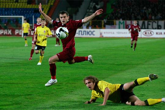 Алан Касаев (в центре). 2009 год