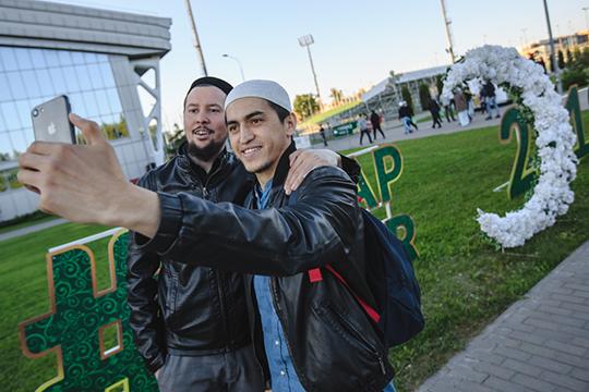 «Многие иностранные ученые пытаются дать решение вопроса относительно российских мусульман, даже незная ситуации, неживя здесь. Ноэто должны сделать именно отечественные богословы»