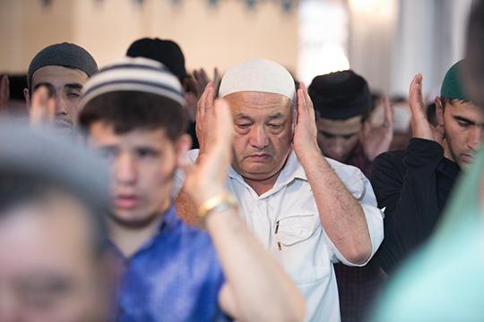 «ВТатарстане, вовремя таравих-намаза вовремя Рамадана читается 20 ракаатонамаза помазхабу Абу Ханифы, апоШафиитскому мазхабу вДУМ Дагестане читают 8 ракаатов»