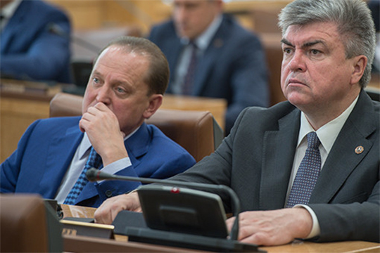 По нашим данным, недовольство москвичами во властных кабинетах нарастает (причем не только в челнинских). Прорабатываются разные варианты решения вопроса, в том числе похожий на нижнекамский