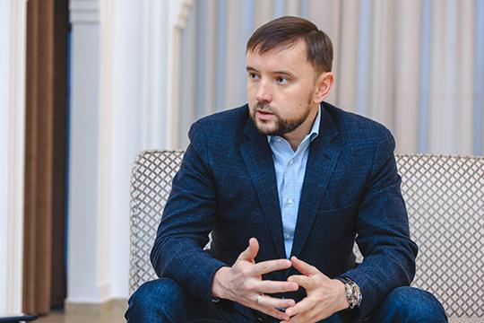 Наиль Галявиев: «Что касается зала «Тантана»: это непросто помещение, где можно провести любое торжественное событие. При создании «Тантана» мырешили обратиться кистории икультуре татарского народа»