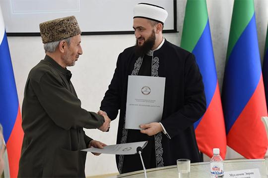 «Усуннитских мусульман своего перевода небыло»: новый книжный бестселлер отДУМ РТ