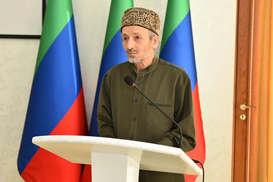 Ахмад Афанди Абдулаев:«Мыпривыкли говорить, что Дагестан очень развитый, что вДагестане очень много алимов, имеется немало работ, но, видите, нам доТатарстана очень далеко»