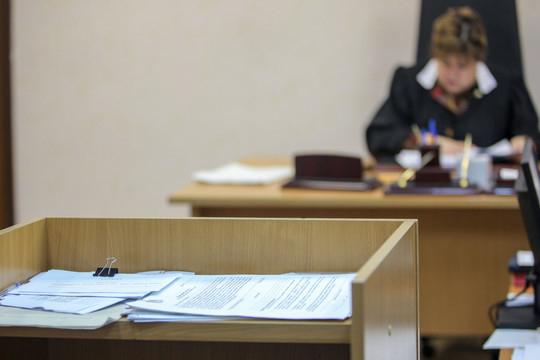 «Считаю, что раз судья находится вспецодежде— мантии, тоиядолжен быть всвоей спецодежде— костюме»