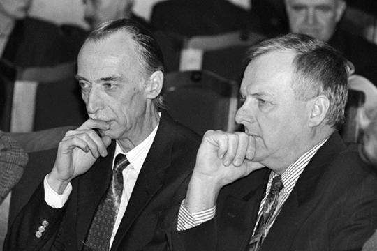 «Встране, где живет несколько миллионов людей сфамилией Иванов, самым известным Ивановым в70-80 годах был Александр Александрович Иванов— поэт-юморист (слева)»