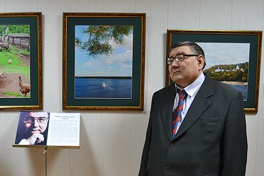Кафиль Амиров на открытии своей персональной фотовыставки