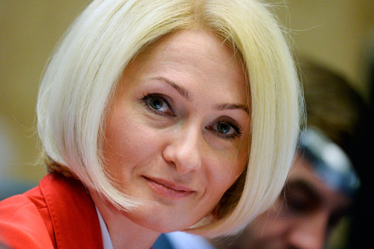 Виктория Абрамченко, последние четыре года руководившая Росреестром, — тоже давняя знакомая Мишустина: они работали вместе в Росземкадастре в начале 2000-х