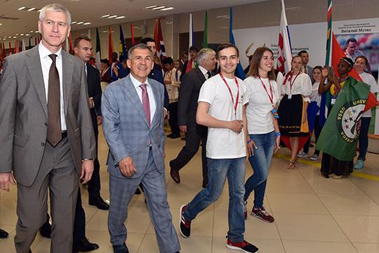 Еще один потенциальный козырь Татарстана в правительственном пасьянсе — новый министр спорта Олег Матыцин (слева)
