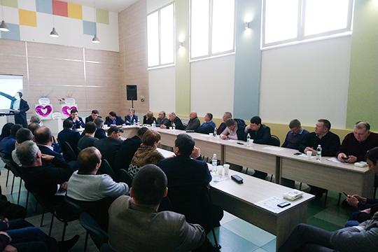 Вселе Большое Афанасово Нижнекамского района прошло совещание сфермерами иглавами сельских поселений