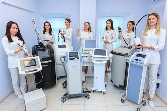 Вклинике Алины Бухаровой применяют оборудование, которое запять лет использования непотеряло свою актуальность, ценность инеобходимость, анаоборот стало фундаментом проводимых процедур