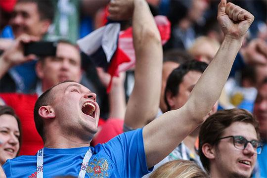 Кажется, главная задача после чемпионата мира решена: болельщика удалось удержать после угара карнавального футбола и сделать это не одним составом