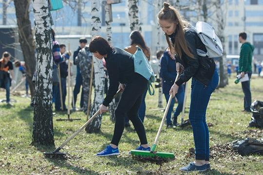 Многие работы выполняются засчет общественных инициатив— волонтерские группы, субботники