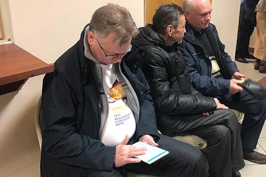 Поверсии правоохранительных органов,Герман Дьяконов (слева)был идейным вдохновителем иглавным основателем преступной группы, действовавшей вКНИТУ-КХТИ