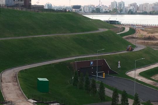 Как стало известно изсообщенияЦентра раскрытия корпоративной информации, Казаньоргсинтезкупил уТАИФа подземную четырехъярусную парковку и«движимое имущество всоставе парковки»