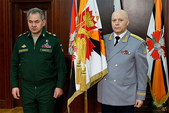 Игорь Коробов (справа)