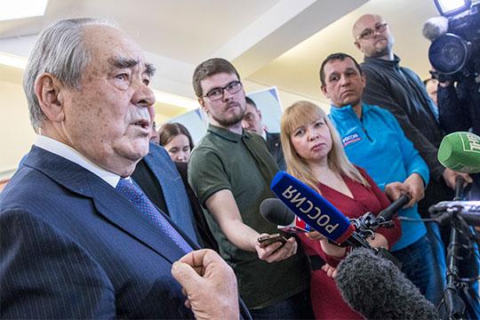 Минтимер Шаймиеввыступил синициативой появления вКазани трехъязычной школы нового поколения, вкоторой обучение будет вестись нарусском, татарском ианглийском языках