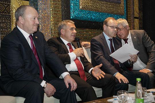 Минниханов: «Изучение татарского языка, впервую очередь, зависит отсамих себя. Надо начинать издома»