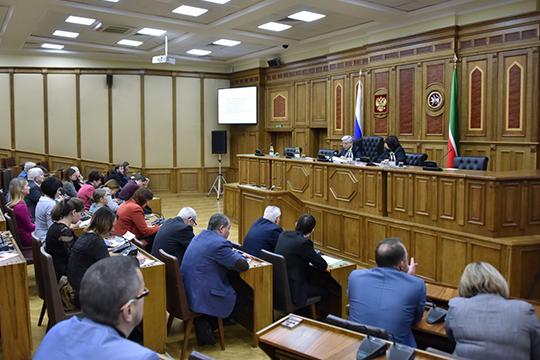 Многих интересовало, что планирует делать «Единая Россия» с упавшимнафоне непопулярной пенсионной реформы рейтинга партии