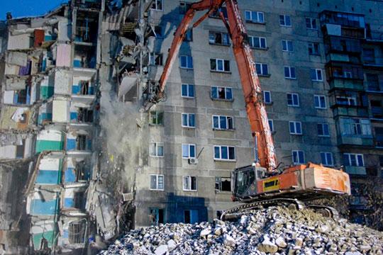 ЧПвШахтах произошло нафоне еще неутихших обсуждений вокруг трагедии вМагнитогорске, где31декабря врезультате взрыва был разрушен целый подъезд 10-этажного дома напроспекте Карла Маркса
