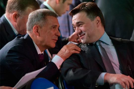 Татарстан вэти дни принимает небывалый десант губернаторов, неговоря уже одругих VIP-персонах (на фото - Рустам Минниханов и Андрей Воробьев)