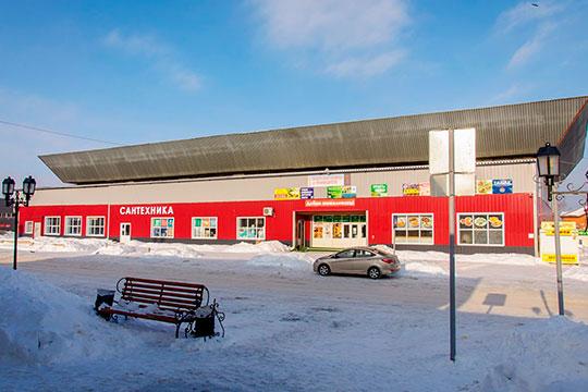 Комсомольский рынок, расположенный встарой части Челнов (поселок ГЭС), выставлен напродажу за250млн рублей