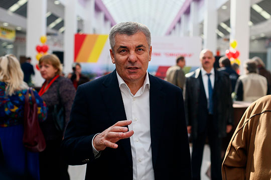 Big Sale Арсена Канокова: сенатор изсписка Forbes продает вЧелнах Комсомольский рынок?